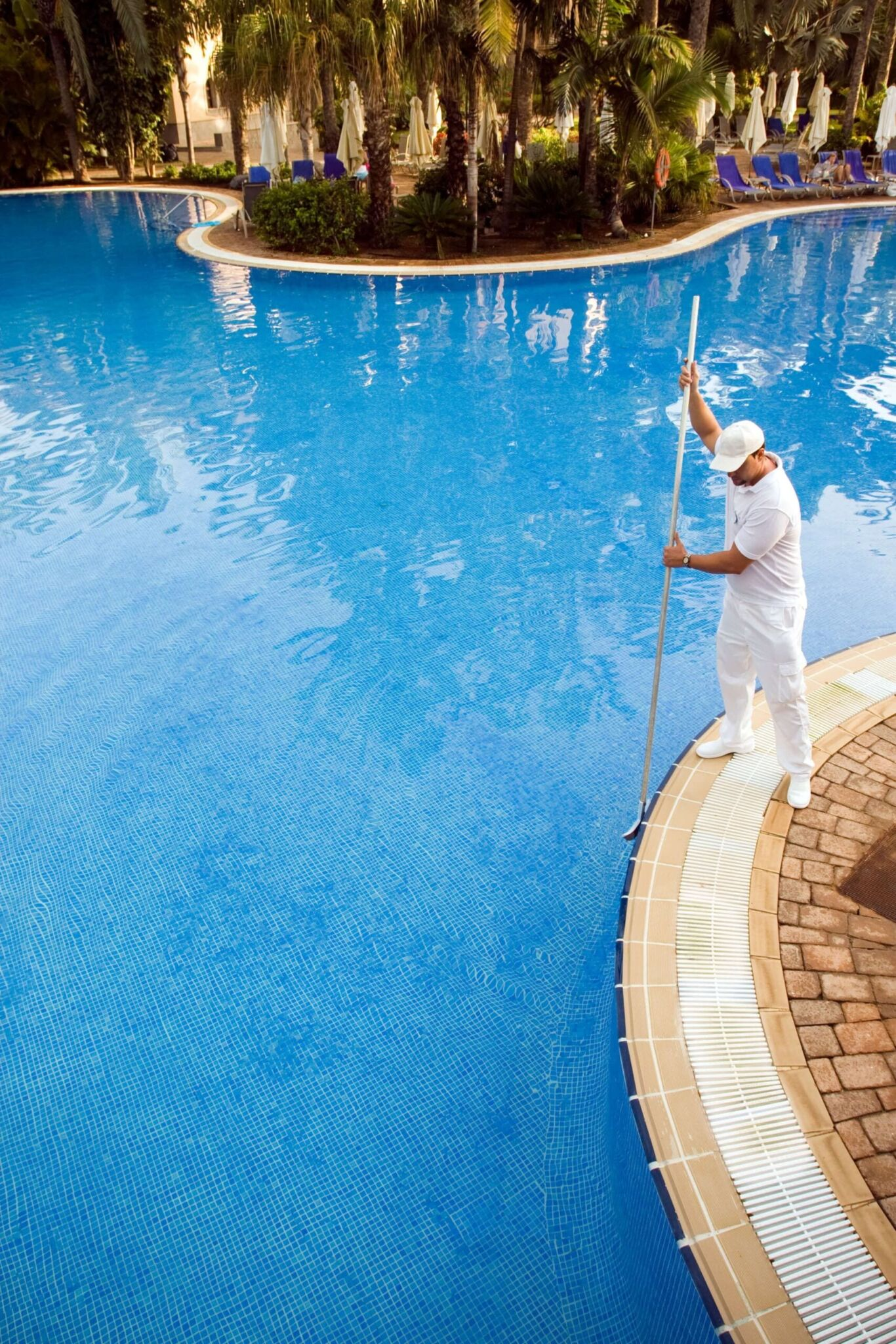 11 pool maintenance tips during storms and hurricanes