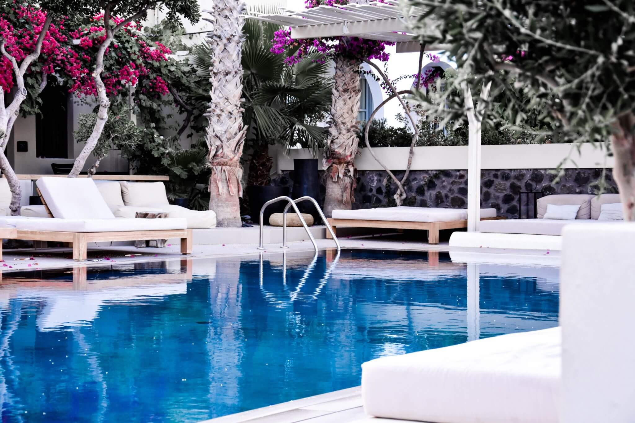 10 Best Pool Designs for Your Backyard